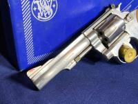 Model 63 Smith & Wesson 6 Shot .22 LR Revolver with original box - 3