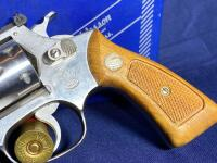 Model 63 Smith & Wesson 6 Shot .22 LR Revolver with original box - 4