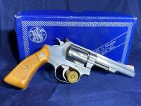 Model 63 Smith & Wesson 6 Shot .22 LR Revolver with original box - 5