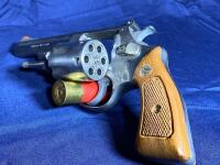 Model 63 Smith & Wesson 6 Shot .22 LR Revolver with original box - 7