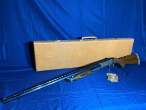 Ithaca Gun Co. Model 37 Featherlight 12 GA Pump Shotgun