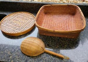 Basket lot 3 items, very nice