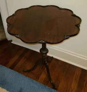 "French style 3 leg table 22"" diameter 27"" tall"