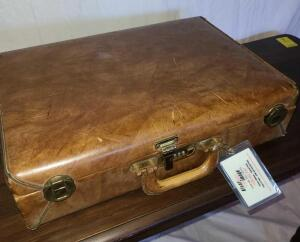 "VINTAGE LEATHER BREIFCASE. 5"" THICK X 18"" X 13"". SHOWS SOME SIGNS OF WEAR."