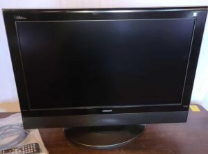 "HITACHI 26"" LCD TELEVISION. REMOTE AND OWNER'S MANUAL INCLUDED."