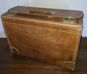 "VINTAGE TRAVELING SALESMAN CASE. LEATHER. IN GREAT SHAPE FOR AGE. 13"" TALL X 18"" WIDE X 8"" THICK"