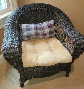 "WICKER BARREL BACK CHAIR WITH CUSHION AND PILLOW. 29.5"" TALL X 32"" WIDE X 26"" DEEP"