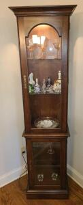 "BEAUTIFUL LIGHTED CURIO CABINET 71.5"" TALL X 17.5"" WIDE X 13"" DEEP. GLASS SHELVES"