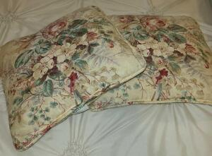 2 WAVERLY ACCENT FLORAL PILLOWS 15""