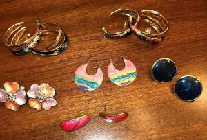 6 PAIRS ENAMELED POST EARRINGS