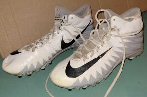 NIKE ALPHA FOOTBALL CLEATS SIZE 8. USED ONE SEASON. NEEDS NEW LACES.