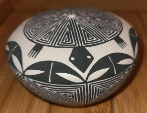 "UNIQUE HANDCRAFTED NATIVE AMERICAN TURTLE SPIRIT BOWL SIGNED. 2"" x 3.5"""