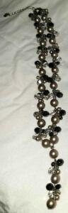 "CAROLEE FAUX PEARL AND HEMATITE NECKLACE 18"". GLAMOROUS!"