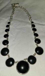 BEAUTIFUL CHAPS SILVER AND BLACK NECKLACE 14""