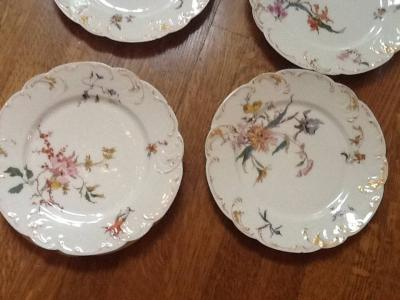 Set of 12 Limoges dinner plates, match lots 25 and 26