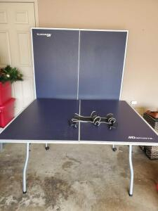 MD Sports full size ping pong table and net. No paddles.
