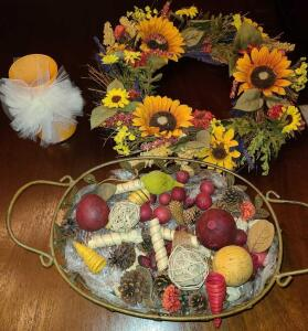 "AUTUMN DECOR LOT: WIRE BASKET LEAF DESIGN WITH HANDLE 4"" TALL X 18' WIDE, WREATH 18"", AND ORANGE"