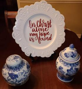 "ORIENTAL GINGER JARS 6"" X5"" ABD 8"" X 5"" AND PLASTIC DECORATIVE PLATE 13"" ""IN CHRIST ALONE MY"