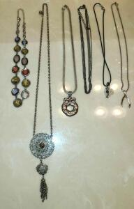 "6 NECKLACES 16"" TO 27"". SEE PICTURES"