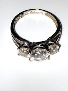 14 karat gold and CZ ring size 8, 4.4 g total weight