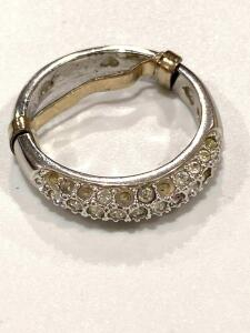 Costume jewelry ring with adjustable size attached size 7 1/2