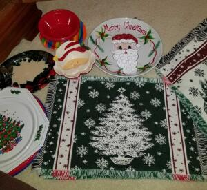 "FOUR REVERSIBLE CHRISTMAS PLACEMATS, CHRISTMAS TRAY 11"", SANTA CLAUS BOWL 6"", 2 VINTAGE WREATH TRAYS"