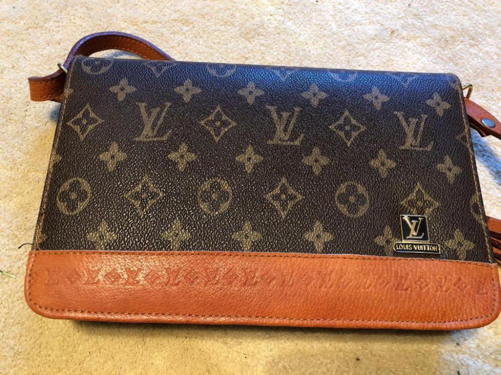 897a9d007cbc4 Lot 105 of 103  Louis Vuitton style purse