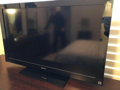 "Sony flat screen 39"" TV"