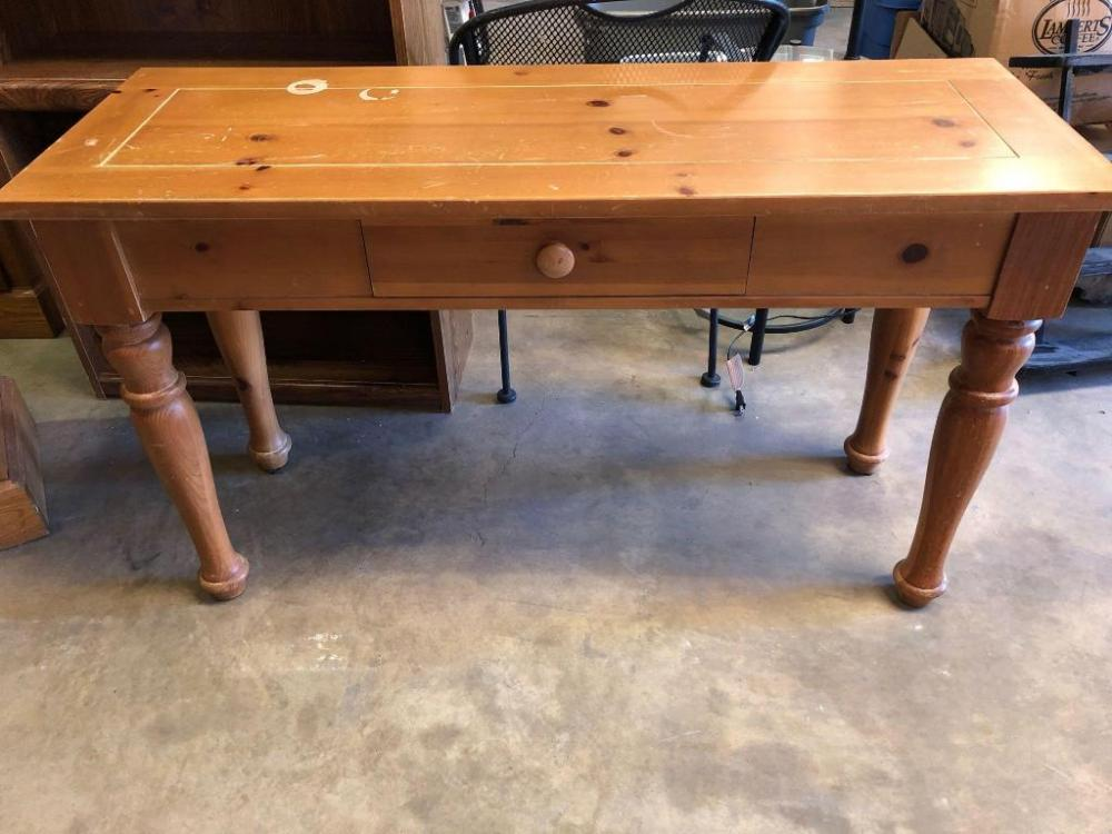 Lot 106broyhill Sofa Table 50 Wide 18