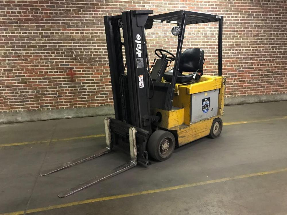 Yale 2 Stage 5000 lb Capacity 36 Volt Electric Forklift in