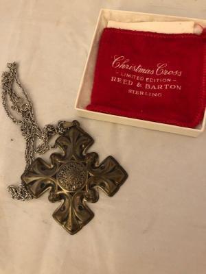 1976 Sterling silver Reed and Barton Christmas cross