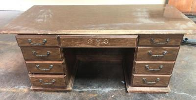 EXCELLENT project Piece! Vintage Desk with great potential!!